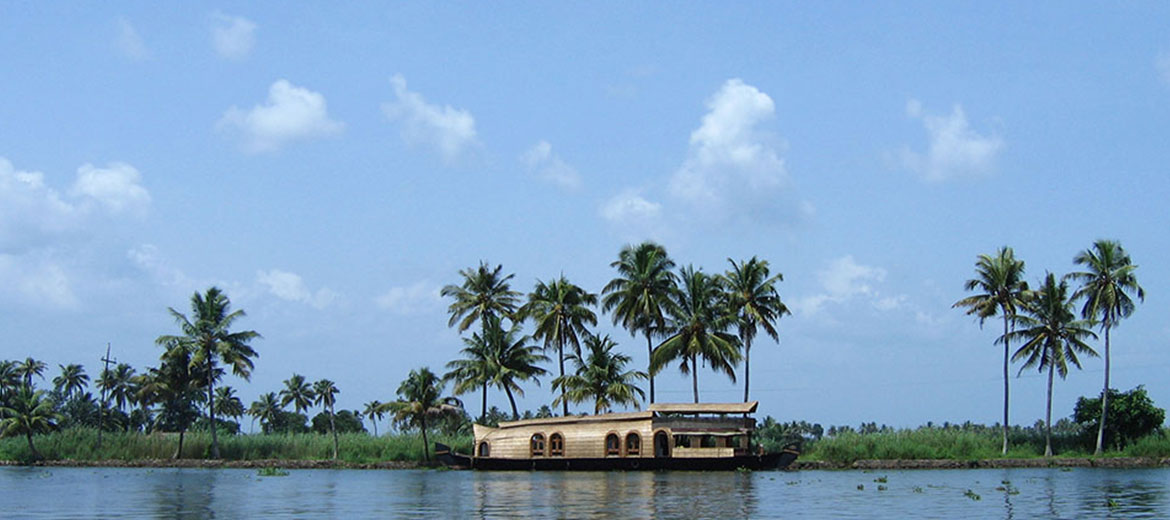 Vembanadu Lake, Attractions near Haripad, Kerala Tourism