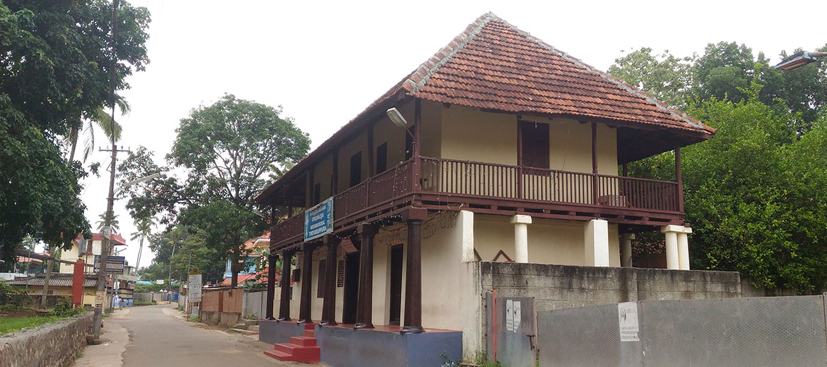 Pandalam Palace, Attractions near Haripad